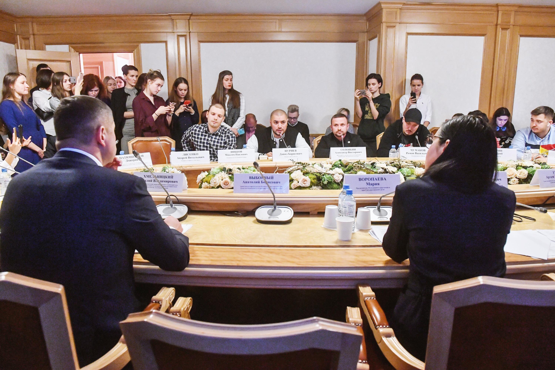 Пресс-конференция оситуации вокруг отмены концертов рэперов вРоссии