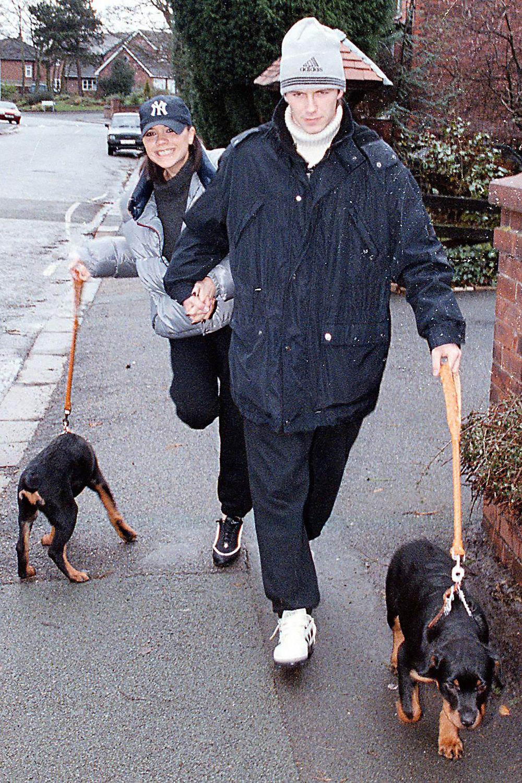Виктория Адамс иДэвид Бекхэм спустя несколько месяцев после того, как они начали встречаться, декабрь 1997