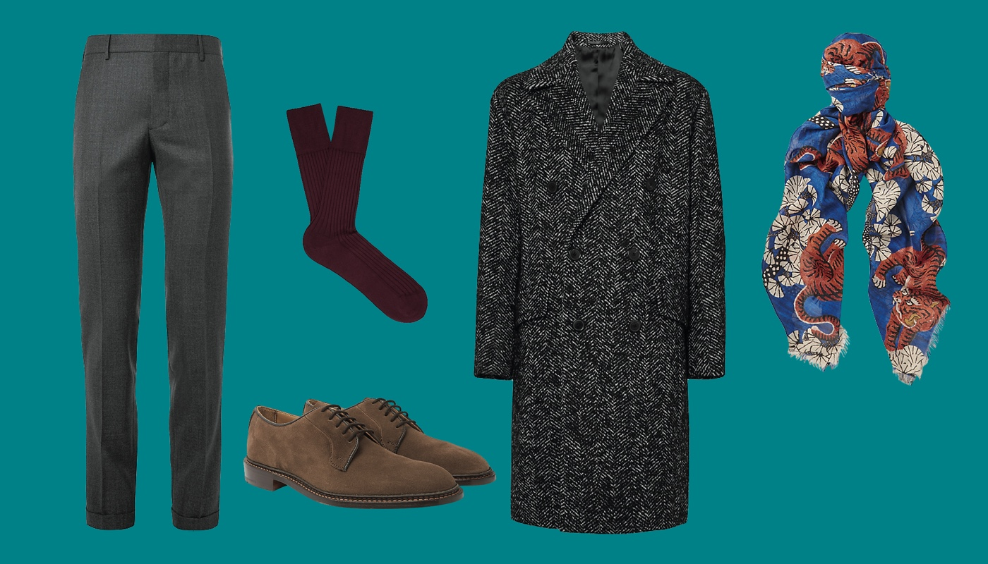 Брюки Prada, ботинки Tricker's, пальто Theory, носки Falke, платок Gucci