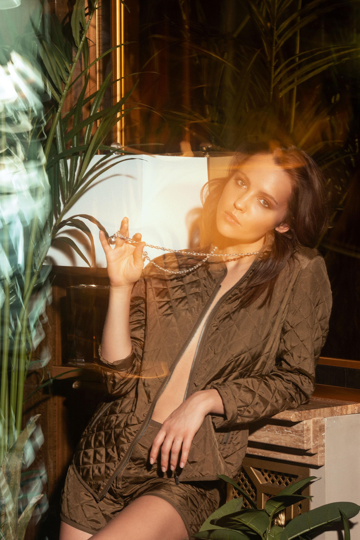 Юлия Хлынина: «Я могу перегрызть глотку любому, но не буду этого делать — потому что воспитание» | Журнал Esquire.ru