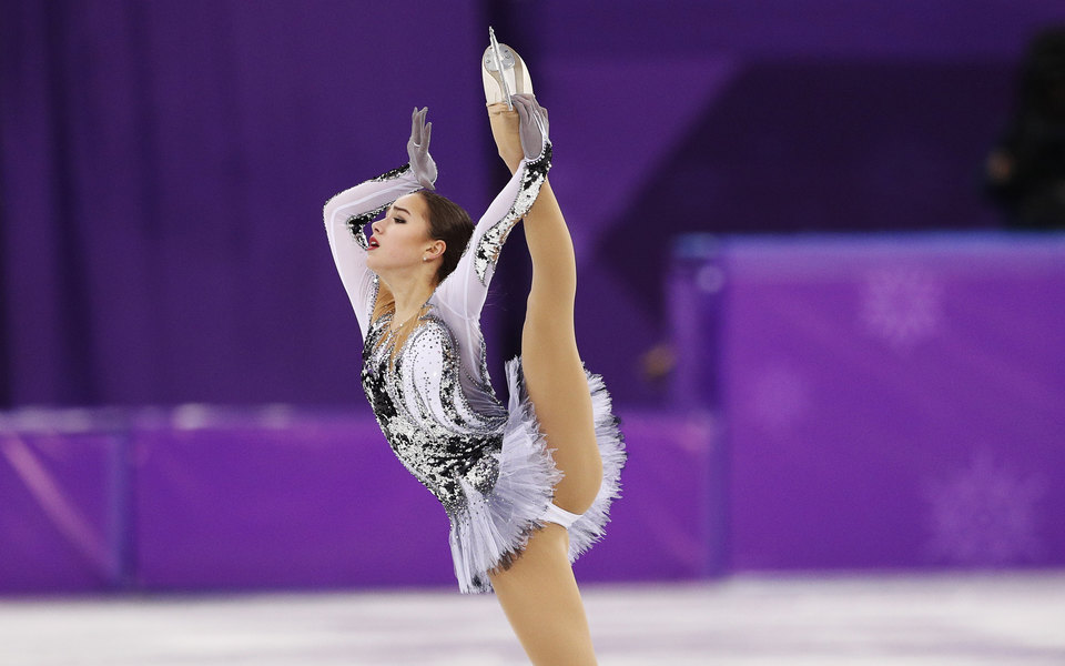 Фигуристка Алина Загитова побила мировой рекорд вкороткой программе Олимпиады