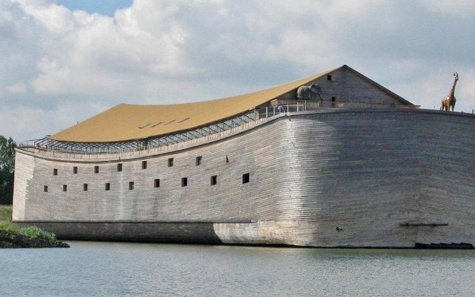 Голландец построил ковчег за$1,6 миллиона итеперь хочет переправить его вИзраиль