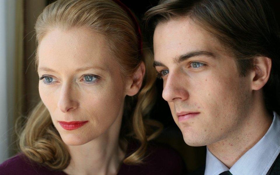 Любовники женщина и молодой парень худ фильмы