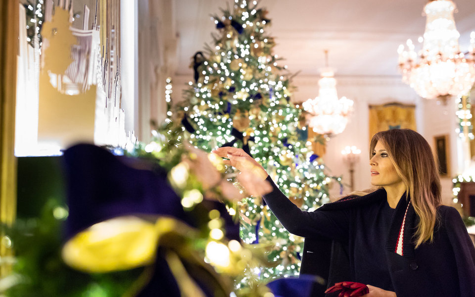 Мелания Трамп украсила Белый дом кРождеству. Но получилось довольно жутко