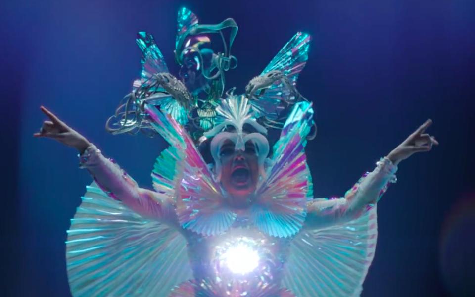 У Björk вышел клип напесню The Gate
