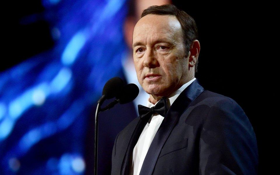 Кевина Спейси обвинили всексуальных домогательствах участники съемочной группы «Карточного домика»