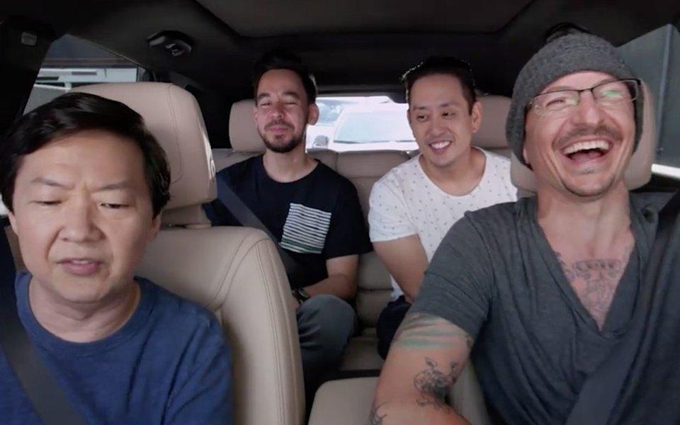 Linkin Park опубликовали выпуск Carpool Karaoke сЧестером Беннингтоном
