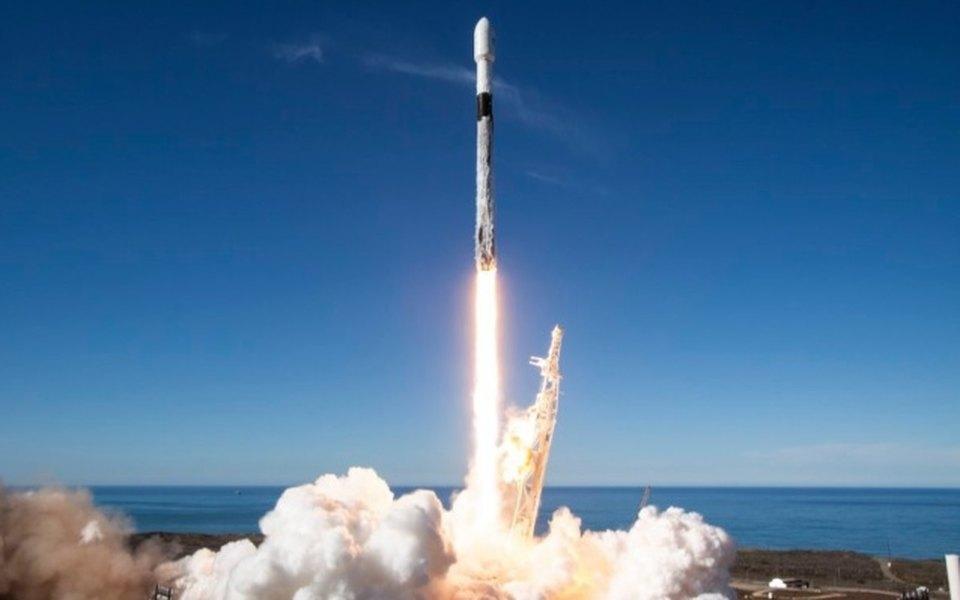 SpaceX выполнил рекордное количество космических запусков вэтом году