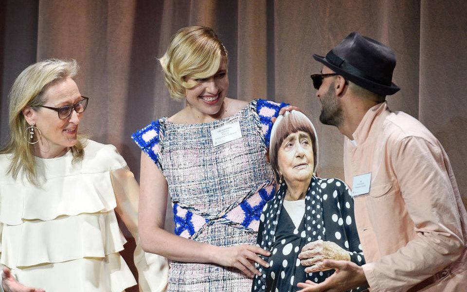 Аньес Варда несмогла прийти навстречу номинантов на«Оскар». Взамен режиссер прислала картонную копию