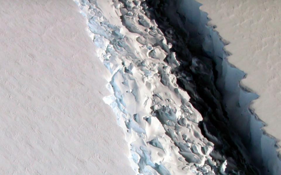 От Антарктики откололся огромный ледник площадью 6000 квадратных километров