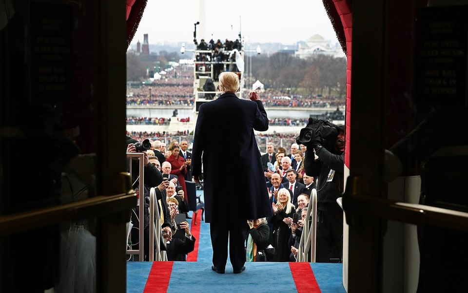 Америка поднялась поТрампу