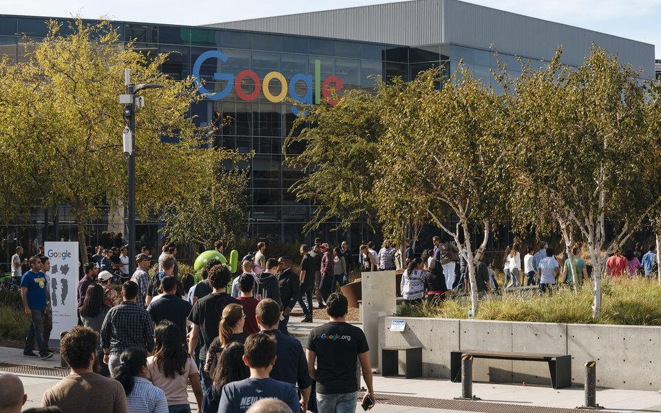 Google пообещала «политику открытости» после скандала сдомогательствами