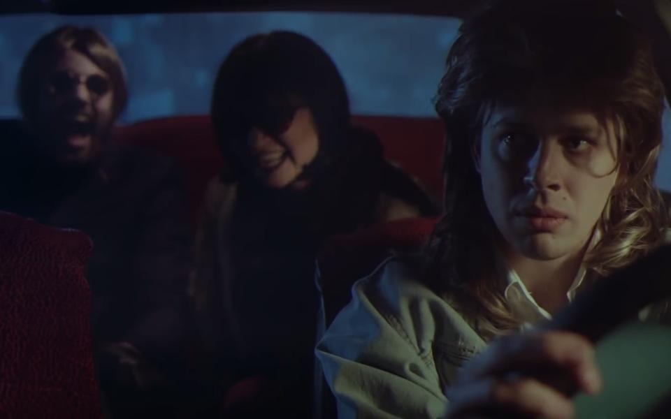 Рэпер Хаски дебютировал вкачестве режиссера скороткометражкой «Психотроника»