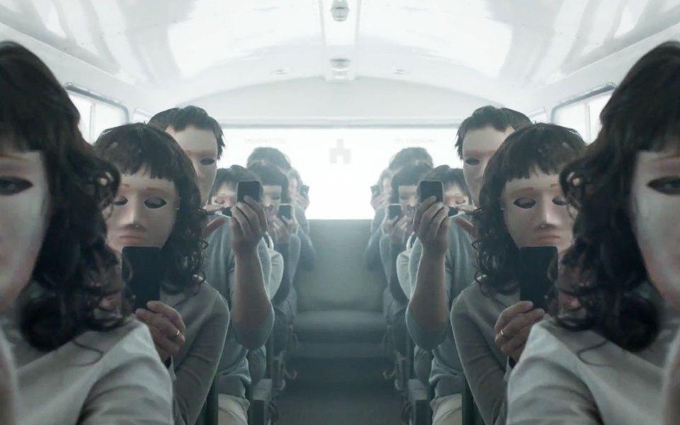 Новый сезон «Черного зеркала», возможно, будет иметь отсылки кпредыдущим эпизодам